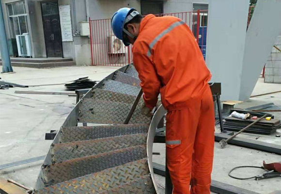 不锈钢烟囱安装施工项目