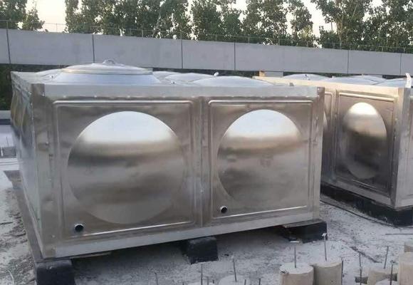 不锈钢生活水箱安装